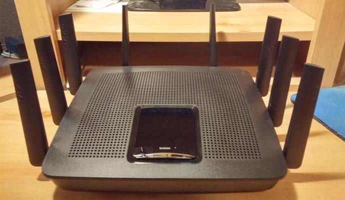 Linksys Max-Stream MU-MIMO Tri-Band AC5400 Wi-Fi Router (EA9500) - Best WiFi Router of this year