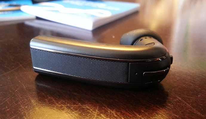 blueant q3 premium smartphone bluetooth wireless headset