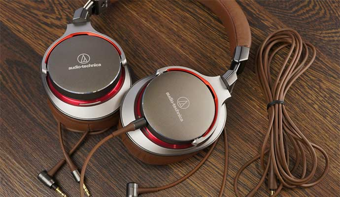 Audio-Technica ATH-MSR7 High Resolution Audio Over-Ear Headphone