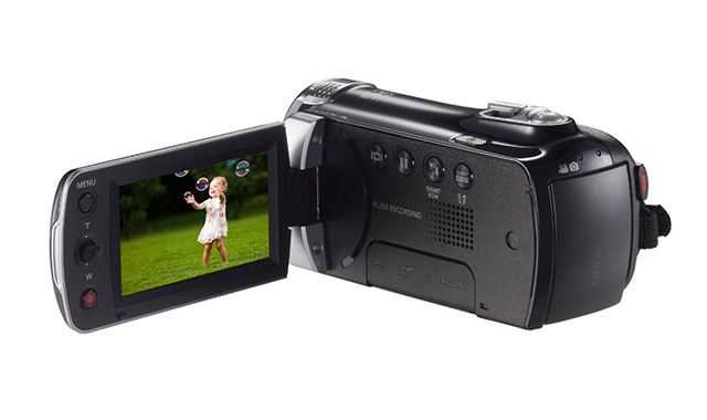 Samsung-F90-Black-Camcorder-with-2.7-LCD-Screen-and-HD-Video-Recording